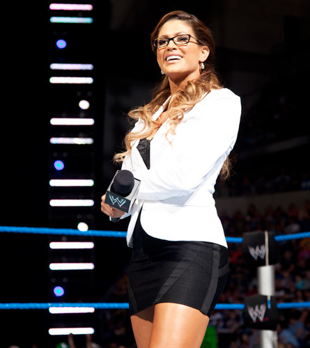 Should Eve Be Booker T's Assistant?