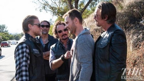 Sons of Anarchy - Season 5 - First Look at Joel McHale