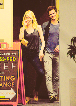 Andrew Garfield and Emma Stone wallpaper with a sign titled Stonefield