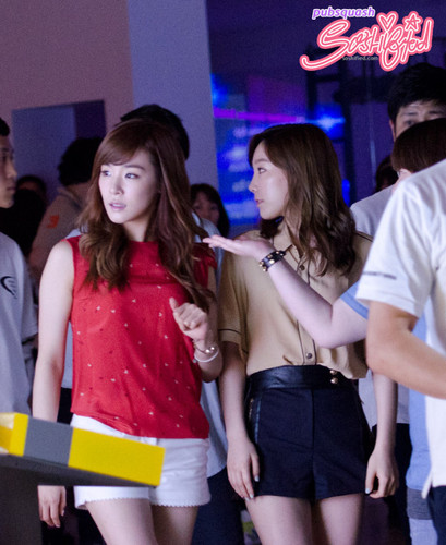 Taeny @ S.M.A.R.T exhibition^^