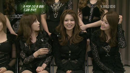 Taeyeon Sooyoung and Yoona @ SMtown in Seoul