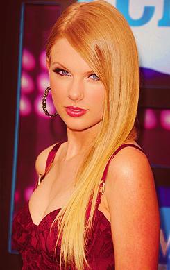Taylor تیز رو, سوئفٹ <3