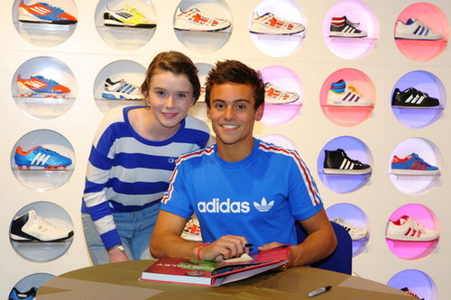 Tom at his book signing in London {15/08/12}.
