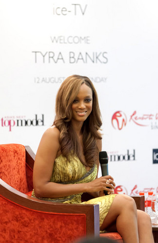 Tyra Banks attends the Asia's Weiter oben, nach oben Model press conference, 12 august 2012