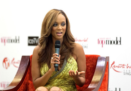 Tyra Banks attends the Asia's اگلے سب, سب سے اوپر Model press conference, 12 august 2012