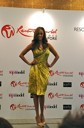 tyra banks wallpaper possibly containing a coquetel dress and a jantar dress called Tyra Banks attends the Asia's seguinte topo, início Model press conference, 12 august 2012