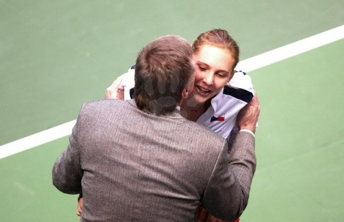 Vaidisova kiss with Topolanek