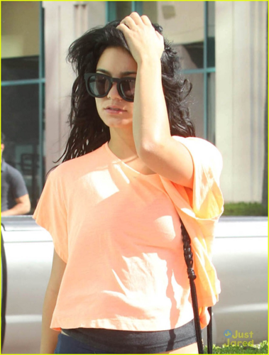 Vanessa - Leaves the gym in Studio City - August 20, 2012