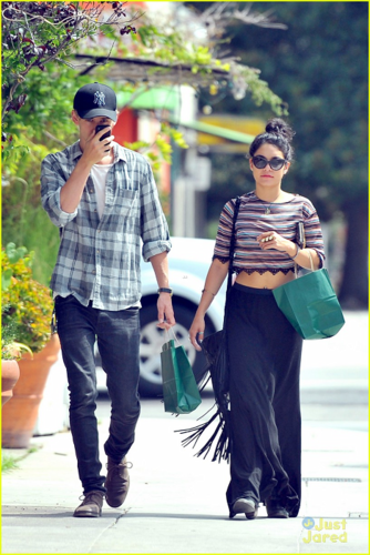 Vanessa - Out and about in Hollywood - August 16, 2012