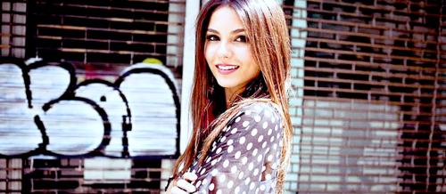 Vicky<3