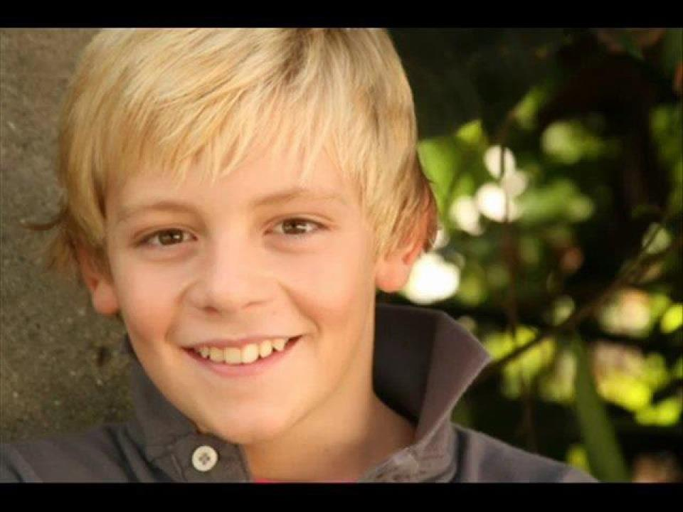 Ross Lynch Brother Ryland Young Ross Ross Shor Lynch