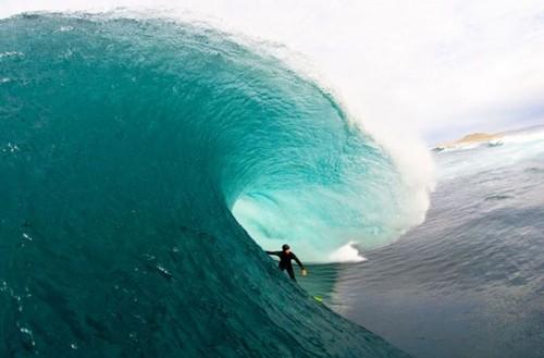 blue surfing waves