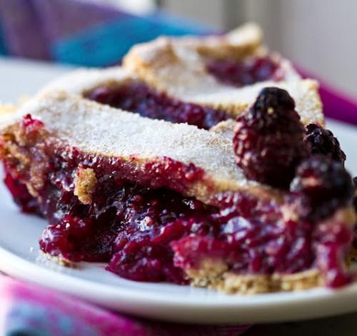 a slice of ブルーベリー pie