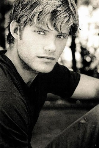 hottie Chris Carmack