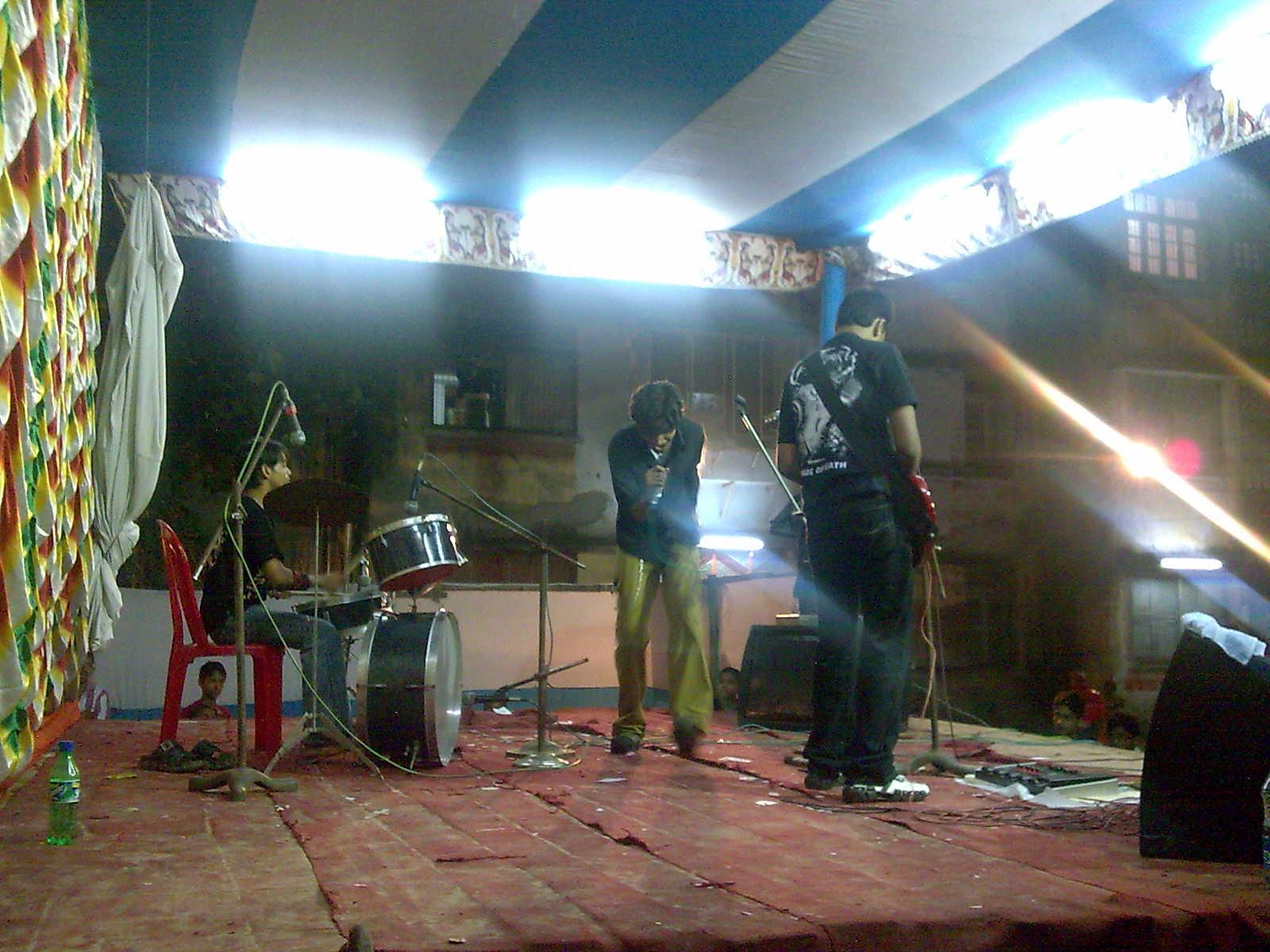 prasenjit live mostrar in kolkata