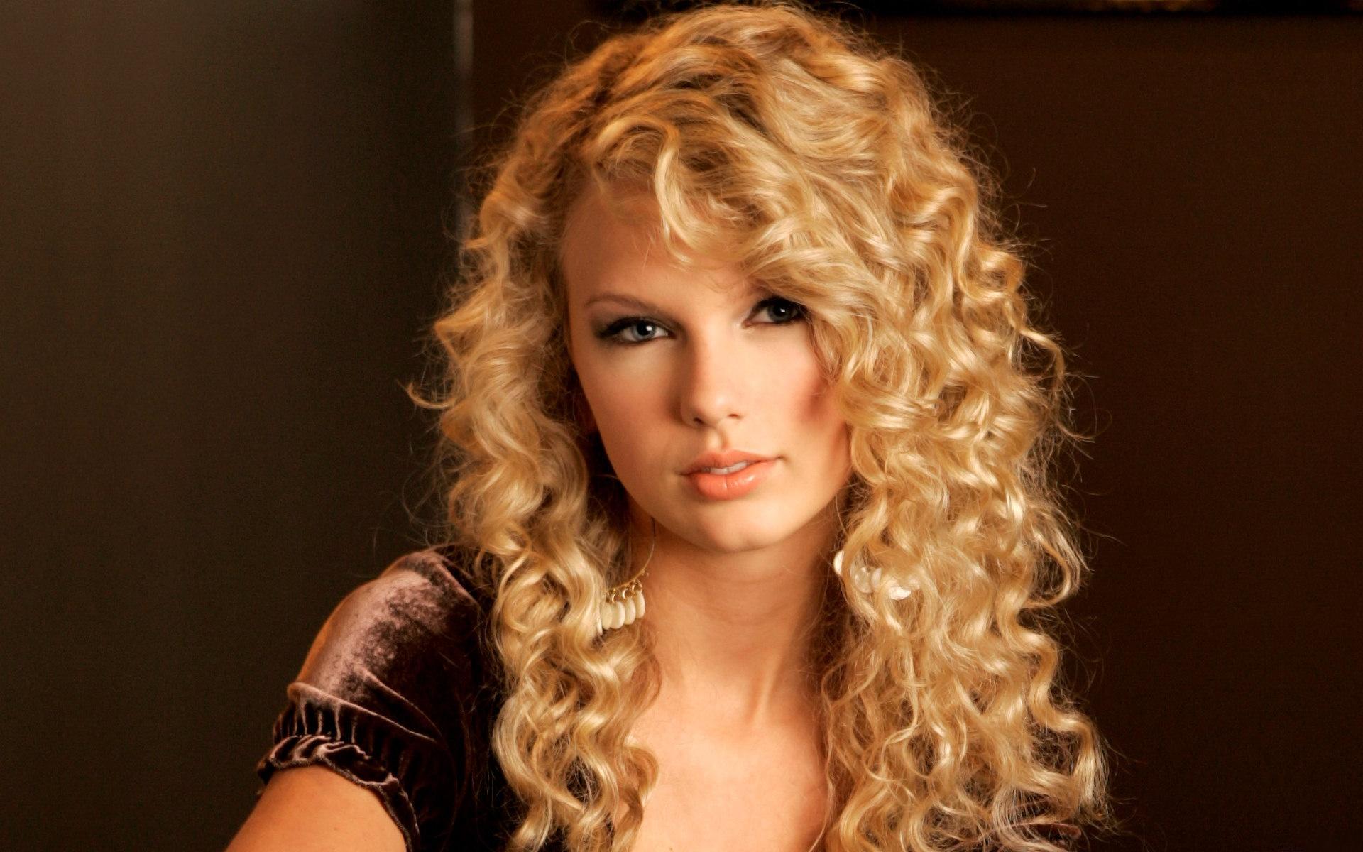 Taylor Swift Cute Taylor Swift Wallpaper 31852316 Fanpop