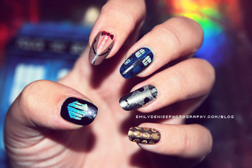 &#39;Doctor Who&#39; nail art <3