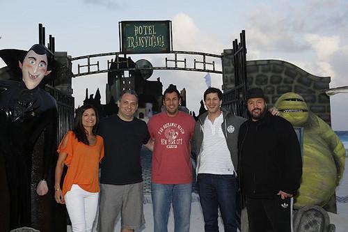 ☆ Hotel Transylvania cast pics ★