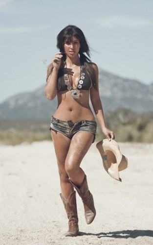 Kim tweeted a series of bikini pics taken a few years ago by photographer Troy Jensen