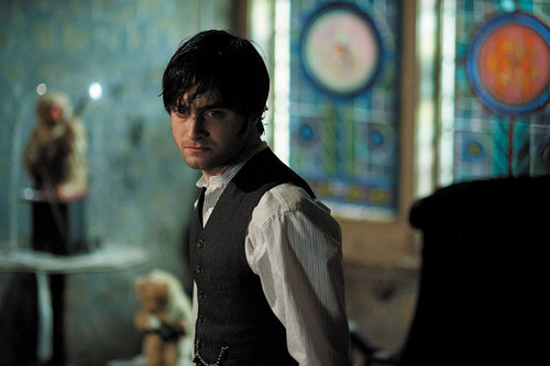 Daniel Radcliff fond d'écran containing a business suit entitled 2012 - The Woman in Black