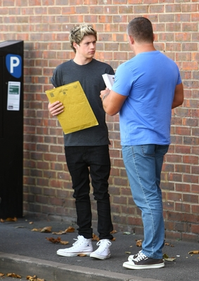 AUG 22ND - NIALL OUTSIDE A STUDIO - one-direction Photo