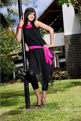 iss pyaar no kya naam doon fond d'écran entitled Anjali - Daljeet Kaur Bhanot