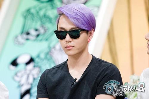 "B2st in K show""Hello"""