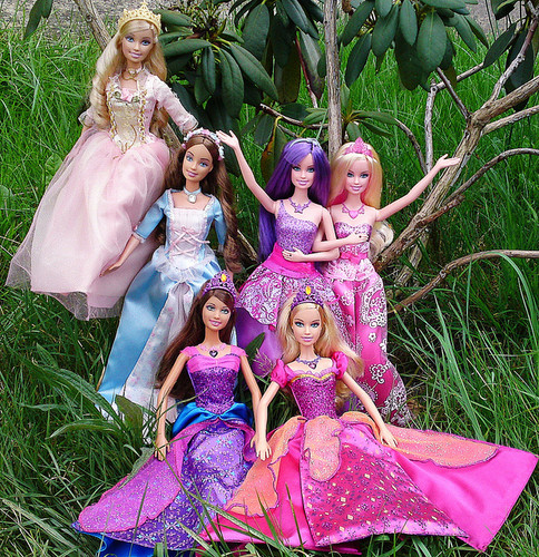 Barbie dolls:Anneliese and Erika,Keira and Tori,Alexa and Liana