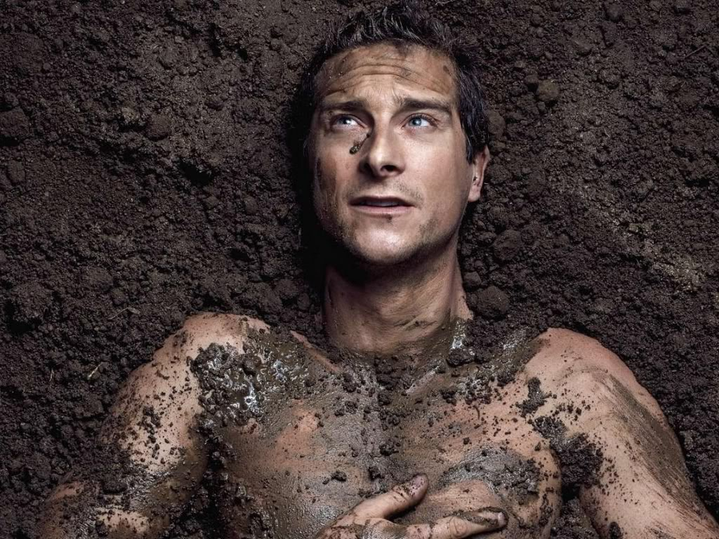 bear grylls           the hero              What a pic man