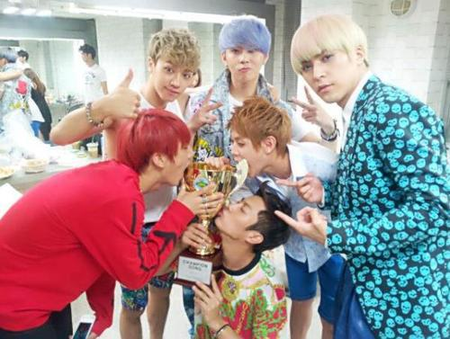 Beast - Live Performance + 1st Won @ tampil Champion