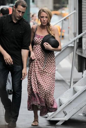 Blake filming 'Gossip Girl' in New York City