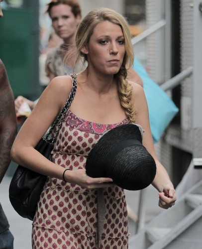 Blake filming 'Gossip Girl' in New York City