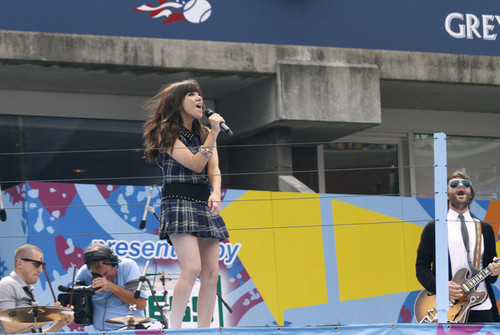 Carly Rae Jepsen at the Arthur Ashe Kids' day, tenis center, 25 August 2012