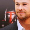 Chris Hemsworth 사진 with a business suit, a suit, and a dress suit called Chris