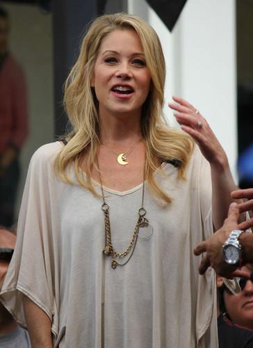 Christina Applegate Promotes FabKids On Extra