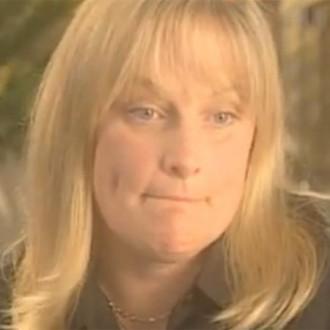 Debbie, Michael's 秒 Wife