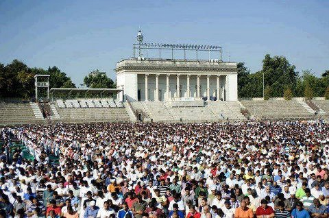 MUSLIMS fond d'écran with a dam called Eid prayers from all over the world