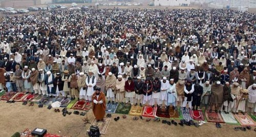 MUSLIMS 壁紙 called Eid prayers from all over the world