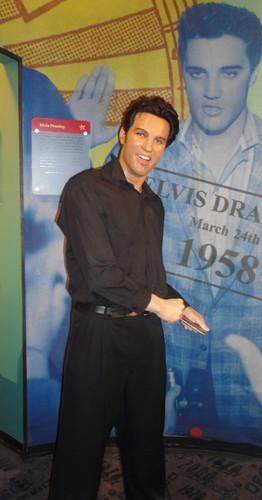 Elvis' Wax Statue