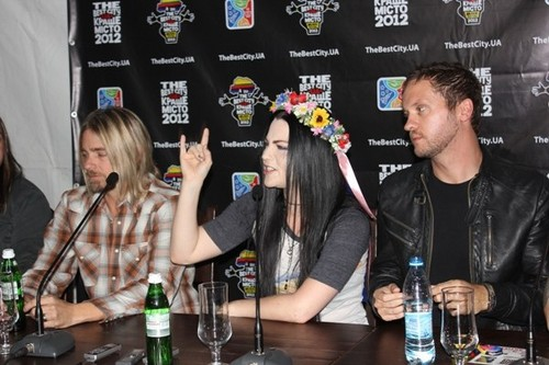 エヴァネッセンス - Press Conference in Dnepropetrovsk, Ukraine (June 29th, 2012)