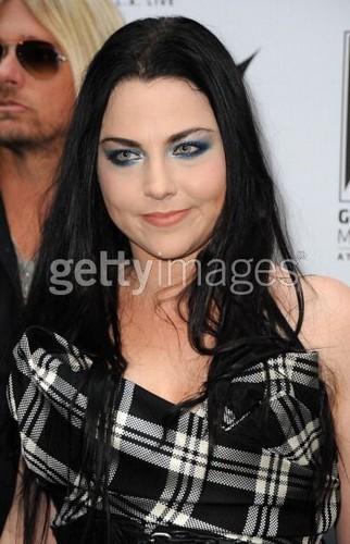 エヴァネッセンス at Revolver Golden Gods Awards - Black Carpet & Backstage (2012)