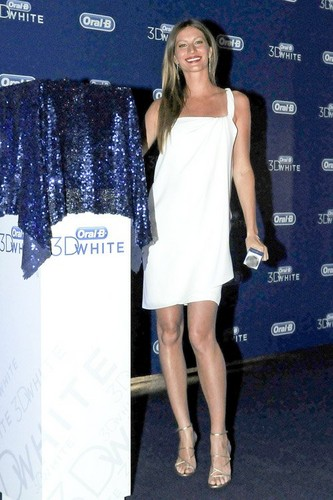 Gisele at the 'Oral B 3D White' event in Sao Paulo (August 23)