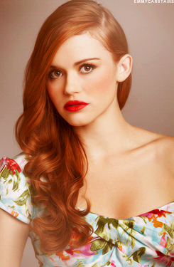 Holland Roden fond d'écran with a portrait titled Holland Roden