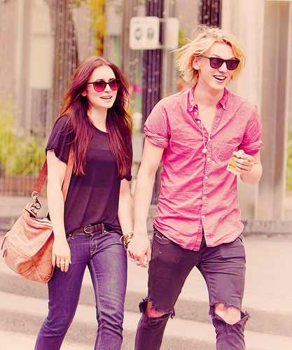 Jamie Campbell Bower achtergrond containing sunglasses entitled Jamie and Lily