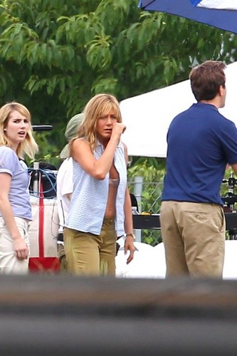 Jennifer Aniston Films 'We're the Millers' [August 20, 2012]