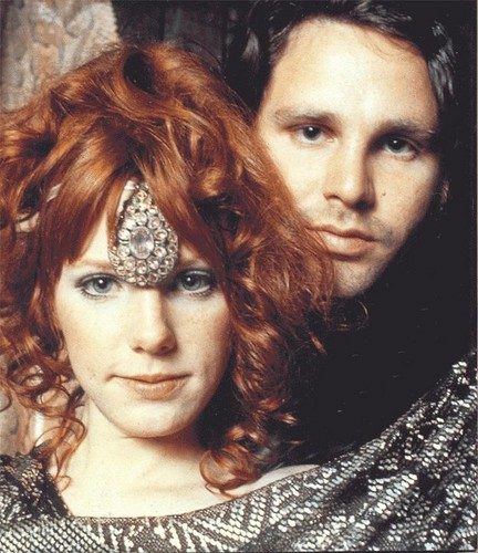 Music wallpaper entitled Jim Morrison and Pamela Courson