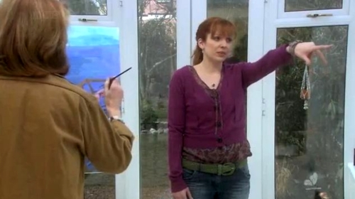 캐서린 파킨슨 바탕화면 probably with a revolving door, a front porch, and an outerwear called Katherine Parkinson