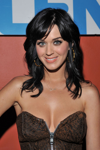 Katy Perry wallpaper containing attractiveness entitled Katy Perry