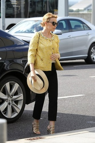 Kylie Minogue Heads to the Airport [August 2, 2012]