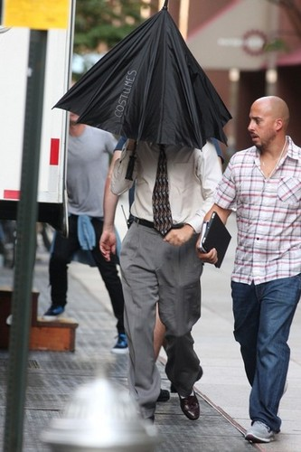 Leonardo DiCaprio Arrives on Set [August 27, 2012]